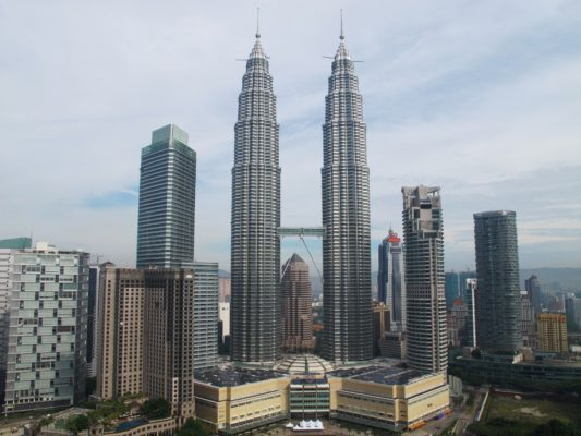 petronas twin towers- amazingly engineered architectural structures
