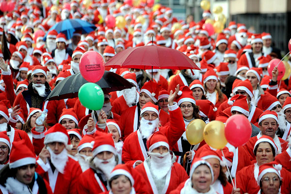 Guinness World Record for the Largest Gathering of Santa Clauses- interesting facts about Santa Claus